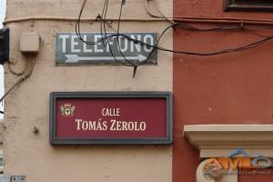 Placa calle Tomás Zerolo