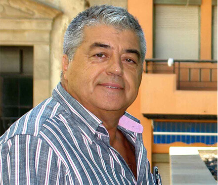 Ángel, archivero del Parlamento de Canarias